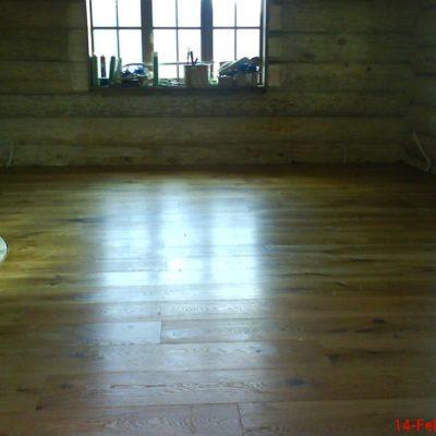 Tamme laudparkett Käru vallas paigaldatud liimiga betoonile ja õlitatud