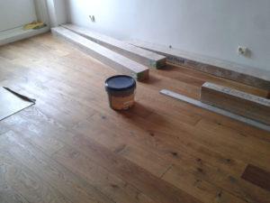 Tamme massiivlaua paigaldus liimiga põrandale ja õlitamine